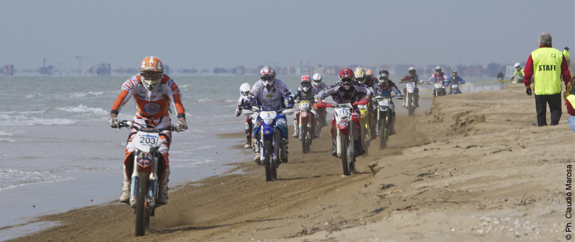 SE12 Bibione Beach Motor Race Image01 